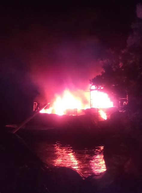 grapevine fire boat coconut grove grapevine sailboat fire damages dinner key
