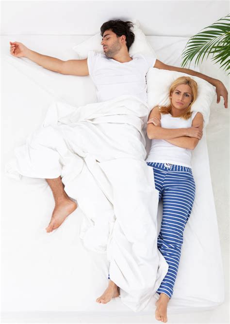 problemi di coppia a letto dormire in coppia 10 posizioni dicono tipo di