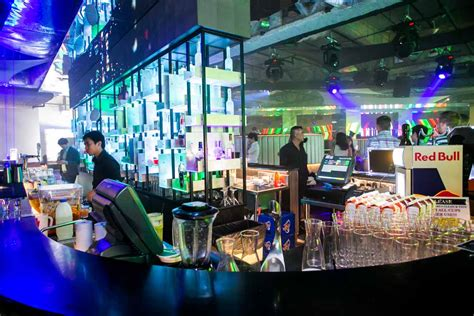 bar top dancing singapore altimate club and ultra lounge singapore nightlife review