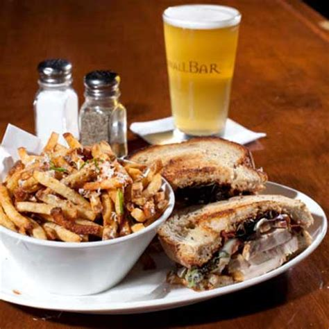 Top 10 Bar Foods best bar food in chicago