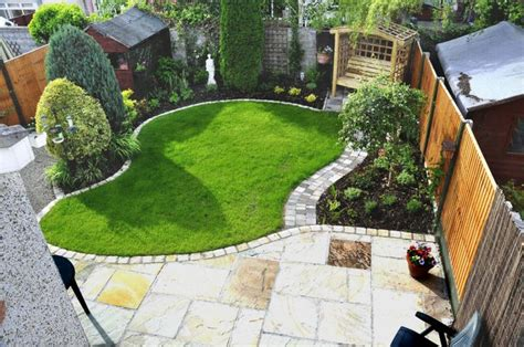 Small Garden Layout Ideas Small Garden Ideas Search Garden Gardens Small Towns And Search