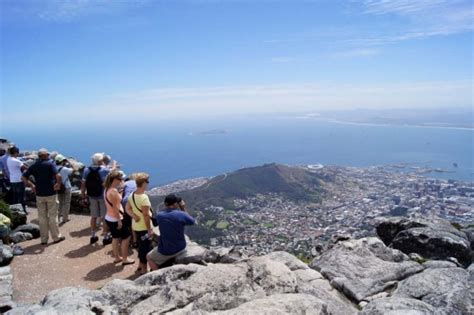 table mountain climbing table mountain cape town hiking trails peak condition