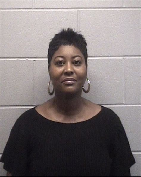 Onslow County Court Records Tara Renee Thompson Inmate 584908 Onslow County Sheriff S Office Near Jacksonville Nc