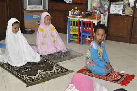 membuat anak rajin sholat belajar jadi imam belajar dari anak anak