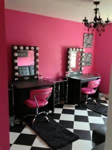 makeup room vanity world