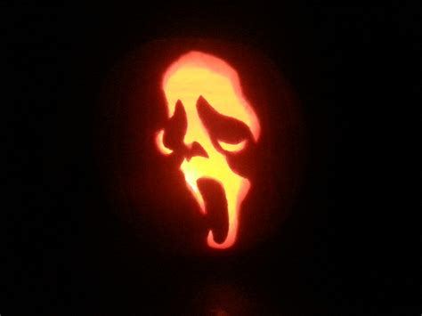 ghostface scream pumpkin carving by pr0genit0r on