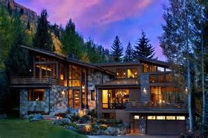 Awesome Rustic Mountain Homes #5: Mountain-Modern-Home-Suman-Architects-01-1-Kindesign.jpg?036cdd