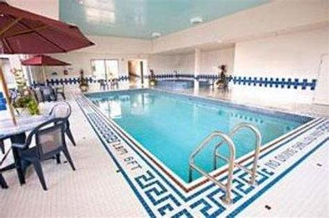 does the comfort inn have a pool comfort inn fallsview niagara falls ontario hotel
