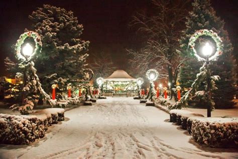 best roads in cincinnati for christmas lights 11 magical streets in iowa during christmastime