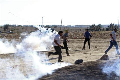 consolato iraq roma giovane attivista italiano ferito al confine tra siria e