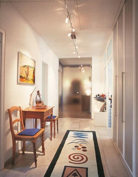 soffitto colorato soffitto corridoio colorato il corridoio lungo corto