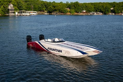 boat cat cat performance boat fountain powerboats