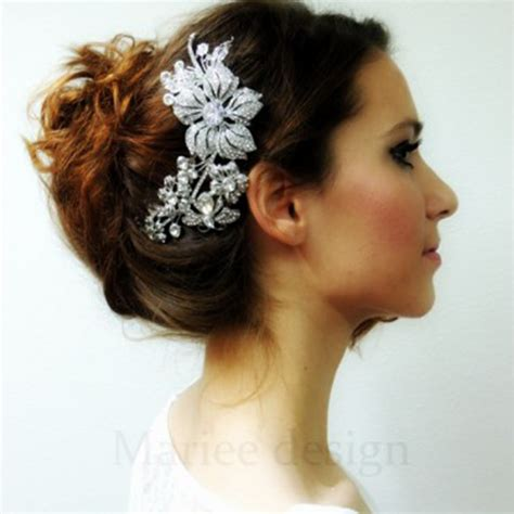 Hairstyles Using Hair Accessories by How To Updo Using A Hair Comb And A Twist Hairstyle