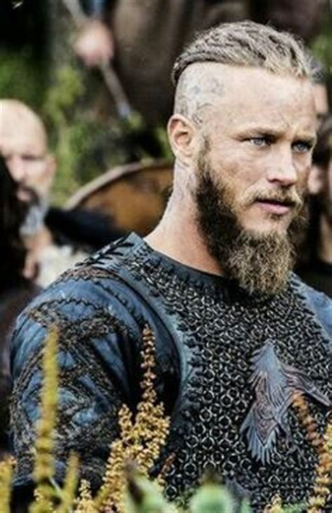 ragnar viking haircut steps travis fimmel soins du visage and coiffures on pinterest