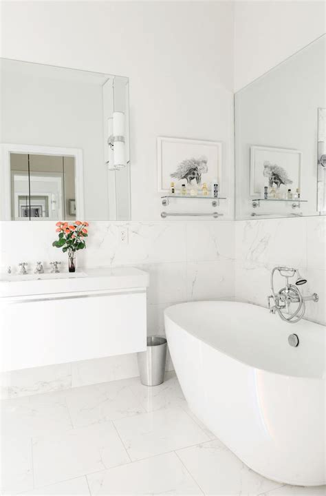 and white bathroom ideas best 25 white bathrooms ideas on white