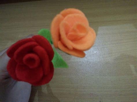 tutorial membuat bunga dari flanel rinapramana s blog tutorial cara membuat bunga mawar dari kain flanel