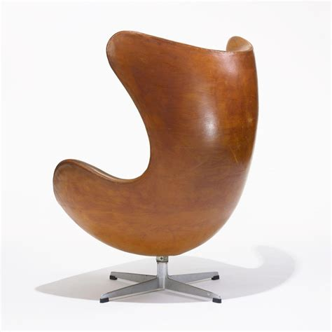 Egg Chair by Arne Jacobsen S Egg Chair Gallery 567
