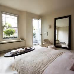Master Bedroom Decorating Ideas Uk Muted Master Bedroom Modern Decorating Ideas