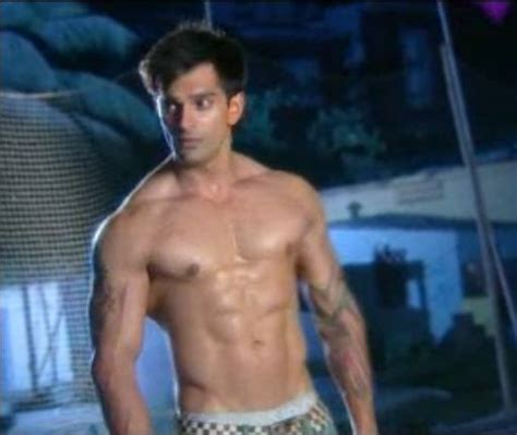 Shirtless Bollywood Men: Karan Singh Grover