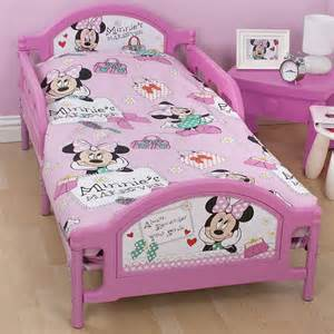 Toddler Minnie Mouse Bed Set Minnie Mouse Toddler Bedding Set With Inserts Makeover