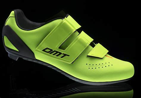 entry level road bike shoes capovelo dmt launches new entry level d6 road shoe