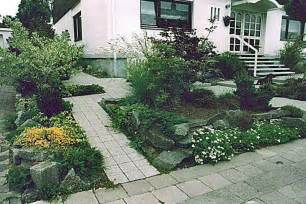 outdoor gardening cheap landscaping ideas for small yards in the front house