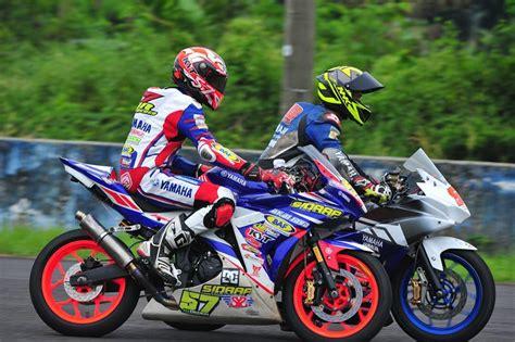 Helm Agv Di Yamaha pertamax7 penakan helm nhk mirip agv pista corsa