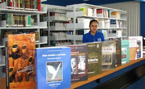 libreria universitaria como librer 237 a universitaria entrega libros a los cus de la