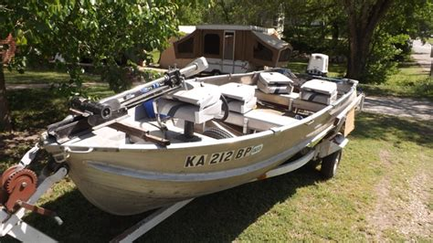 14 v bottom aluminum boat 14 ft v bottom aluminum boat with 25 hp johnson motor