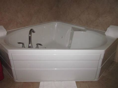 montage bidet there is even a bidet in the whirlpool suite picture of