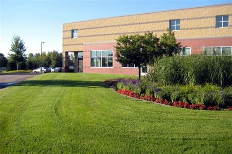 total lawn solutions specializing in commercial lawn