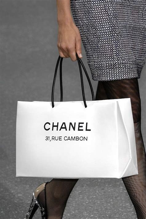 Paperbag Tas Chanel 19 best images about shopping bag on bags lovely things and shopping