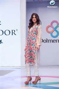 agha noor collection at dolmen fashion show 2015 2 big