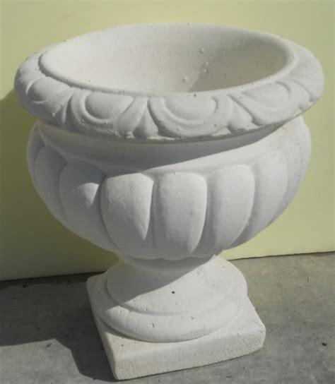 vaso cemento fioriere vasi in cemento da giardino decorclass