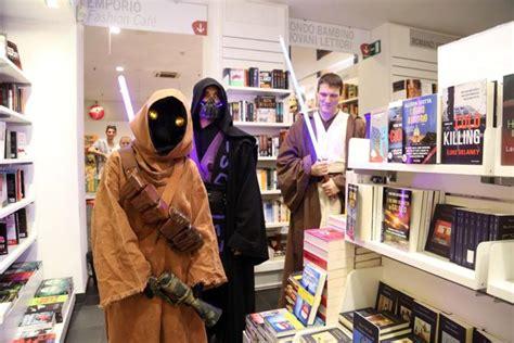 libreria mondadori bologna via d azeglio selfie 171 stellari 187 alla mondadori 232 lo wars day
