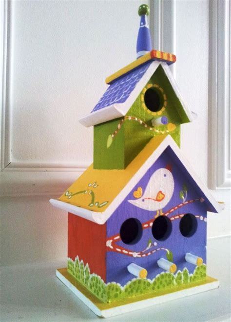 painted bird houses designs 25 best ideas about bird houses painted on pinterest birdhouse painted birdhouses