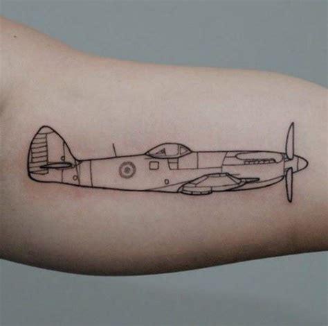 tattoo de plane best 25 plane ideas on airplane