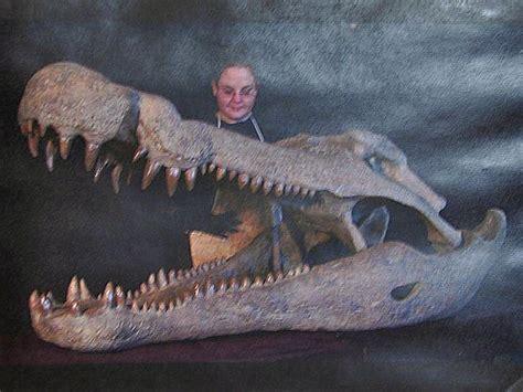 September 7, 2013 – Big Water Visitor's Center Dinosaur ... Giant Alligator Dinosaur