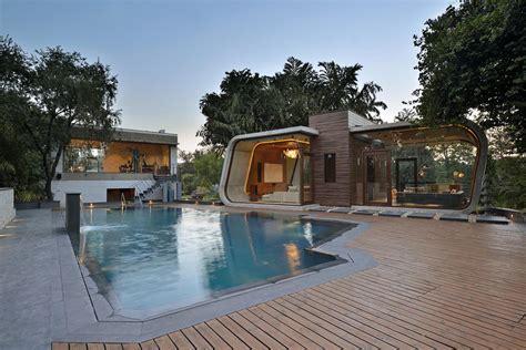 Minimalist Pool House 3