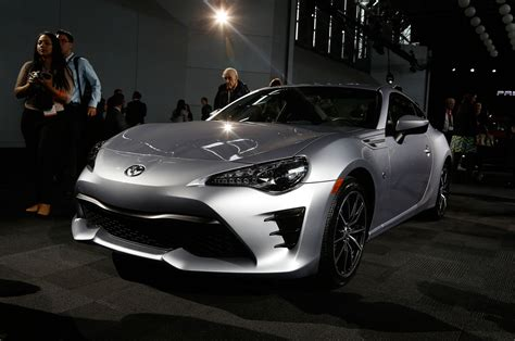 The Toyota 86 2017 Toyota 86 Look Review Motor Trend