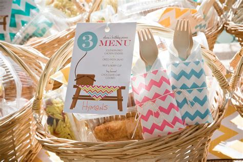 picnic basket ideas picnic breakfast ideas each family had a picnic basket prepared with lunch we entertaining