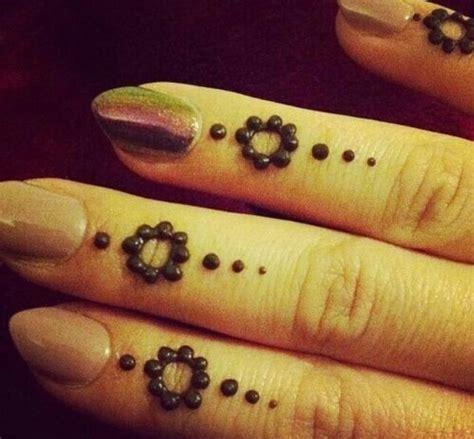 5 small henna designs trusper