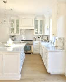 White Designer Kitchens by Best 25 White Kitchens Ideas On White Kitchen