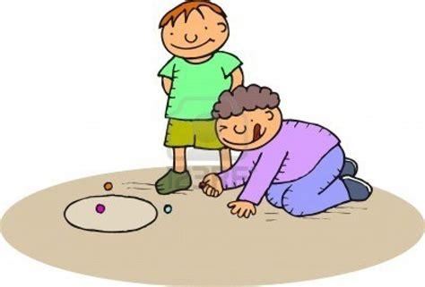 imagenes de niños jugando metras 5 1 manualidades navide 241 as hechas con canicas ananas