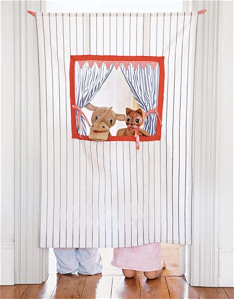 puppet curtain doorway puppet theater make a puppet stage