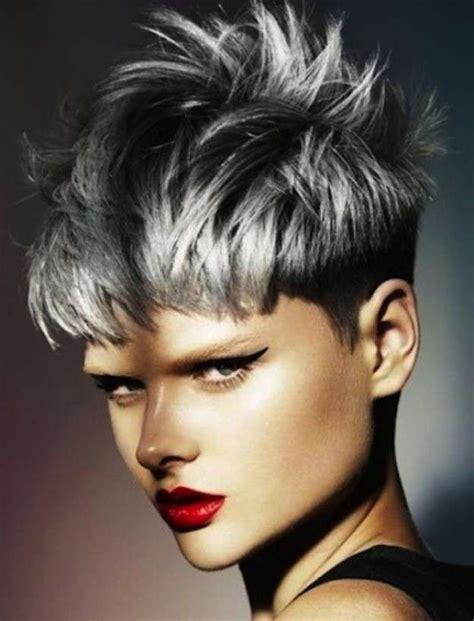 tintes de cabello color gris m 225 s de 25 ideas incre 237 bles sobre mechas color plata en