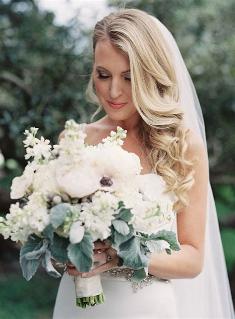 Wedding Day Hairstyles With Veil by 25 Best Ideas About Veil Hairstyles On