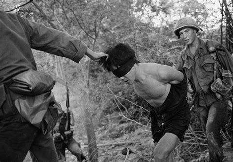 imagenes reales guerra vietnam guerra do vietn 227 hist 243 ria col 233 gio web