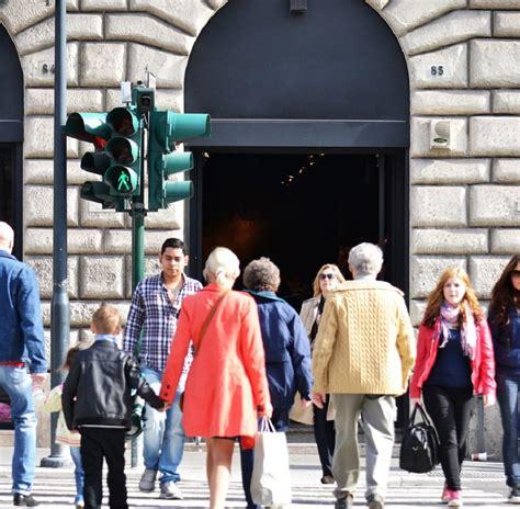 permesso di soggiorno per rumeni stranieri in italia sono oltre 5 milioni i dati