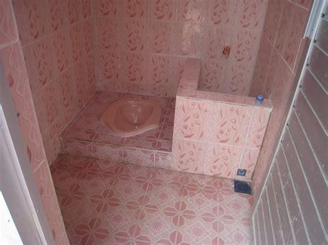 desain kamar mandi minimalis wc jongkok 30 desain kamar mandi sederhana dan murah ndik home